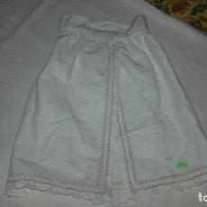 Vestidos Muñecas Españolas: FALDÓN PARA MUÑECA TAMAÑO NENUCO DE LOS AÑOS 70. Lote 104420671