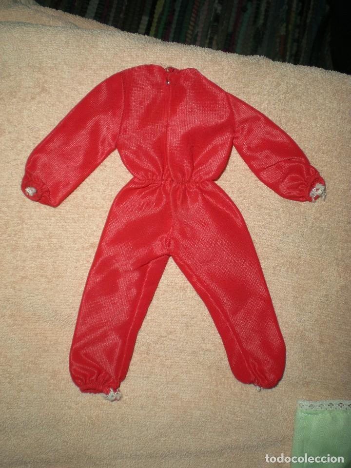 Vestidos Muñecas Españolas: lote ropa muñeca antigua mono rojo chabel o core ? - Foto 2 - 107524339