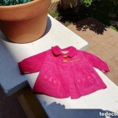 Vestidos Muñecas Españolas: ABRIGUITO DE MUÑECA NENUCA DE PANA EN MUY BUEN ESTADO.....V87. Lote 184903805