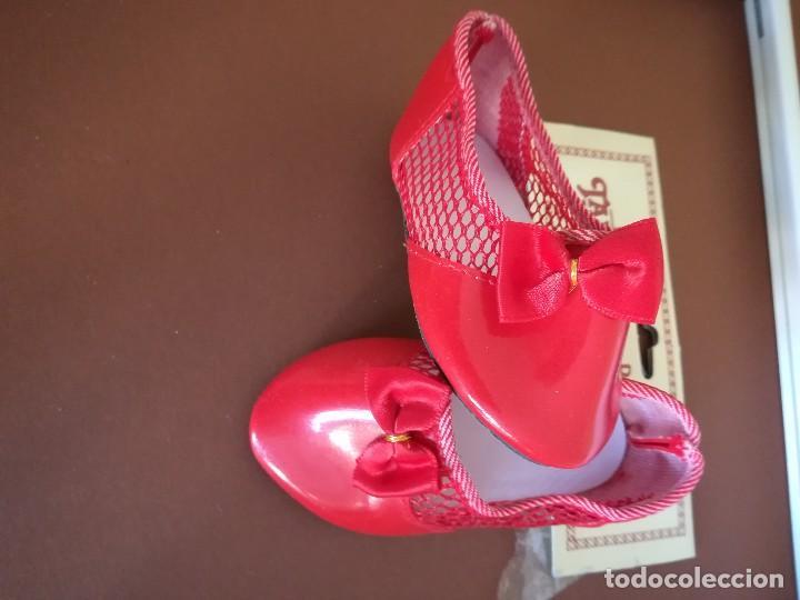 Vestidos Muñecas Españolas: Zapatos rojos de charol de muñeca medida 9,5cmx4cm con redecilla. - Foto 2 - 112067127
