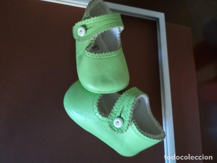 Vestidos Muñecas Españolas: Zapatos de piel verde para muñeca Guendalina - Foto 2 - 112088695