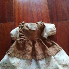 Vestidos Muñecas Españolas: VESTIDO DE LA CASA TOYSE TRES PIEZAS PARA MUÑECAS DE 40 A 45 CM. Lote 113143283