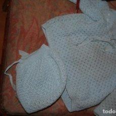 Vestidos Muñecas Españolas: CONJUNTO PUNTO MUÑECO MUÑECA BEBE. Lote 116453207