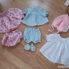 Vestidos Muñecas Españolas: LOTE DE ROPA Y ACCESORIOS MUÑECAS AÑOS 70. Lote 118395063