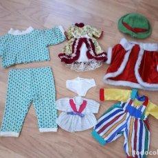 Vestidos Muñecas Españolas: LOTE DE ROPA Y ACCESORIOS MUÑECAS AÑOS 70. Lote 118395939