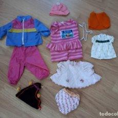 Vestidos Muñecas Españolas: LOTE DE ROPA Y ACCESORIOS MUÑECAS AÑOS 70. Lote 118395971