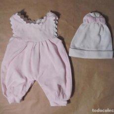 Vestidos Bonecas Espanholas: PELELE MUÑECO ALGO MÁS PEQUEÑO QUE NENUCO DE FAMOSA. Lote 130281442