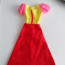Vestidos Muñecas Españolas: VESTIDO PARA BARBIE. Lote 133624914