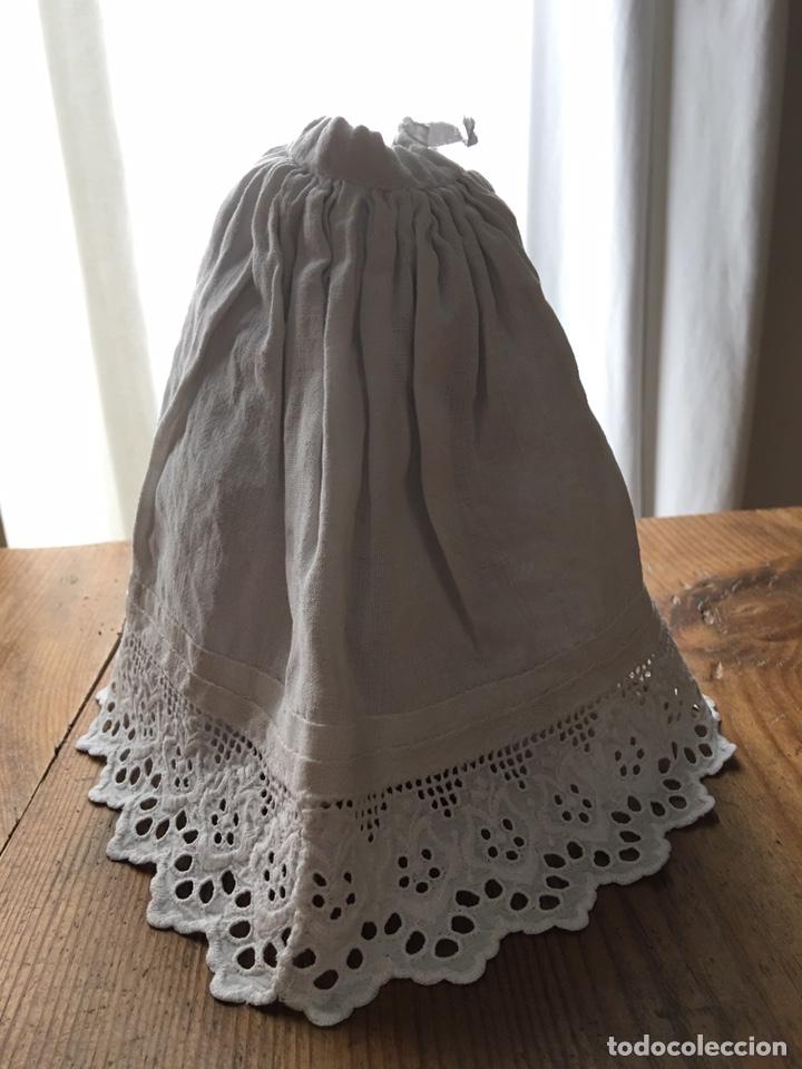 Vestidos Muñecas Españolas: Muy antiguo traje regional de indumentaria tradicional de muñeca s. XIX - Manteo agremanes bordada - Foto 28 - 138671832