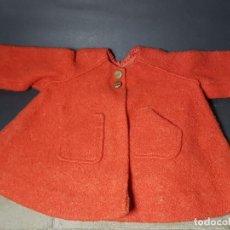 Vestidos Muñecas Españolas: ABRIGO MUÑECA AÑOS 60. Lote 143102654