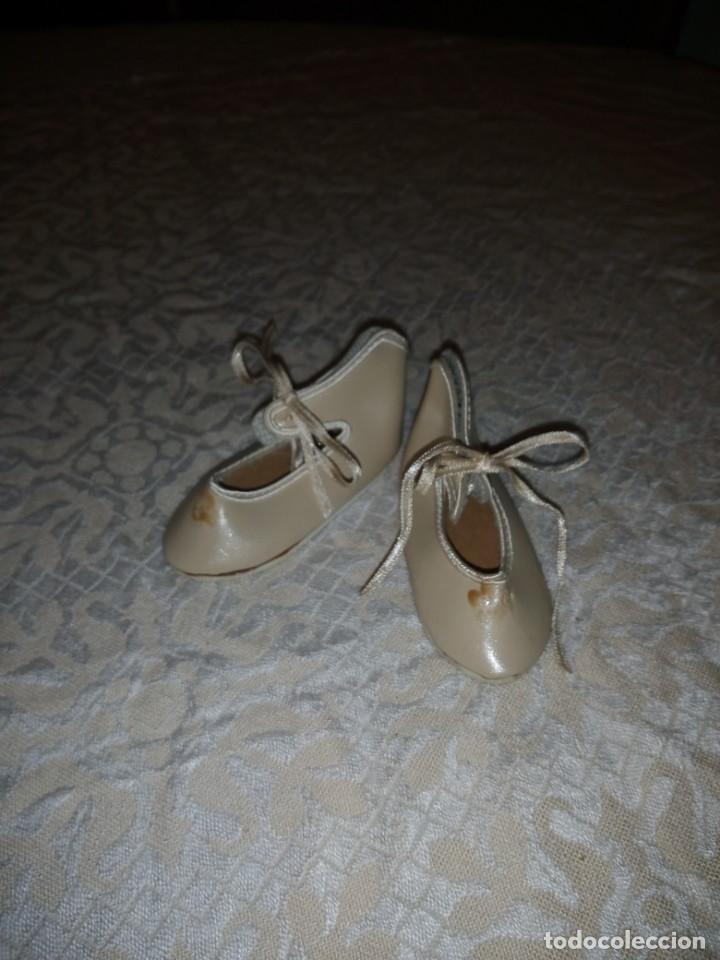 Vestidos Muñecas Españolas: Zapatos de piel color beige para muñecas de porcelana. - Foto 3 - 144502734