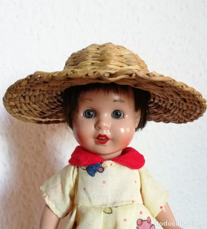 SOMBRERO MIMBRE, CHICHÓNERA PARA MUÑECA ANTIGUA (Juguetes - Vestidos y Accesorios Muñeca Española Moderna)
