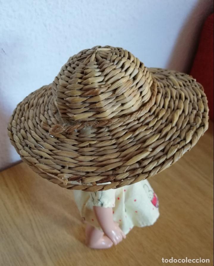 Vestidos Muñecas Españolas: Sombrero mimbre, chichónera para muñeca antigua - Foto 2 - 144552794
