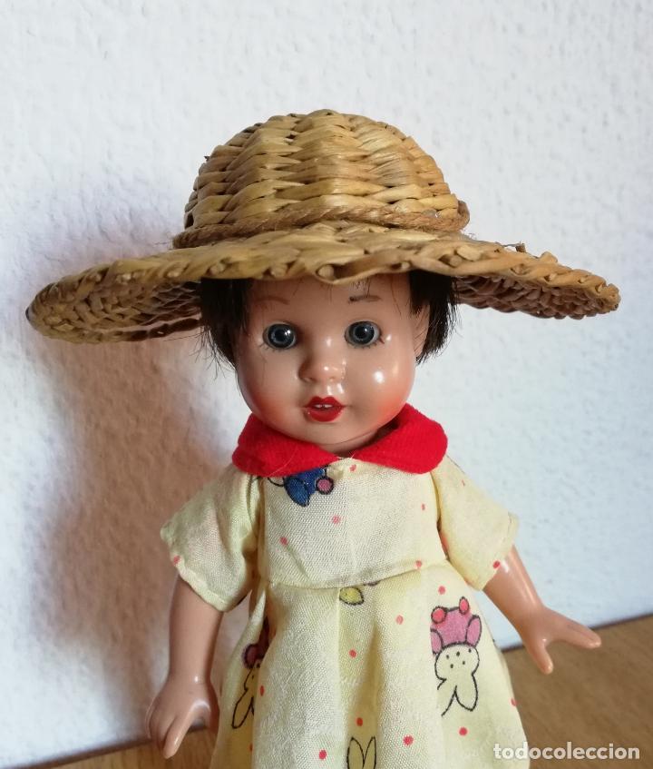 Vestidos Muñecas Españolas: Sombrero mimbre, chichónera para muñeca antigua - Foto 4 - 144552794