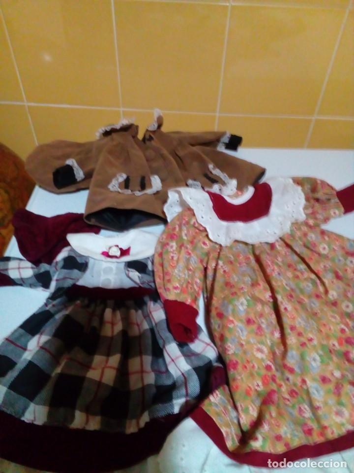 Vestidos Muñecas Españolas: tres vestidos de muñecas y accesorios - Foto 2 - 150762526