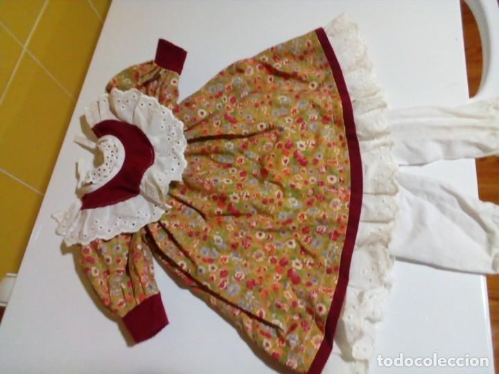 Vestidos Muñecas Españolas: tres vestidos de muñecas y accesorios - Foto 5 - 150762526