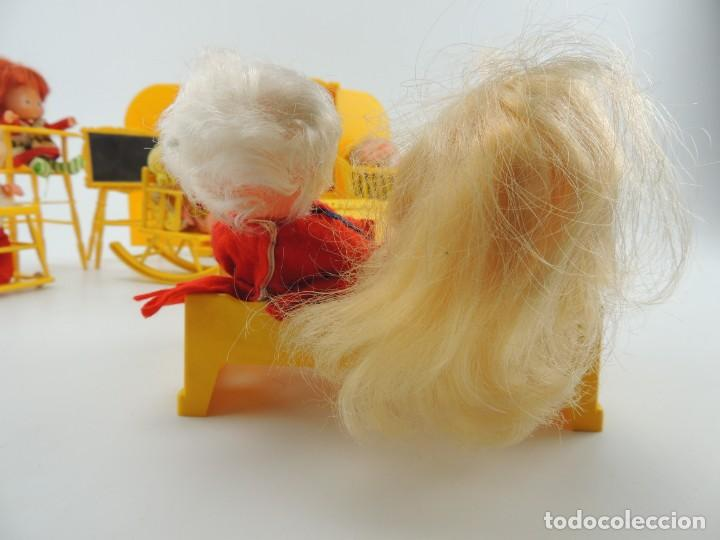 Kleider Spanische Puppen: lote muebles barriguitas de famosa - trona, cuna, tacata, armario , escritorio y caballito - Foto 10 - 151354082