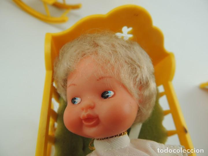 Kleider Spanische Puppen: lote muebles barriguitas de famosa - trona, cuna, tacata, armario , escritorio y caballito - Foto 18 - 151354082