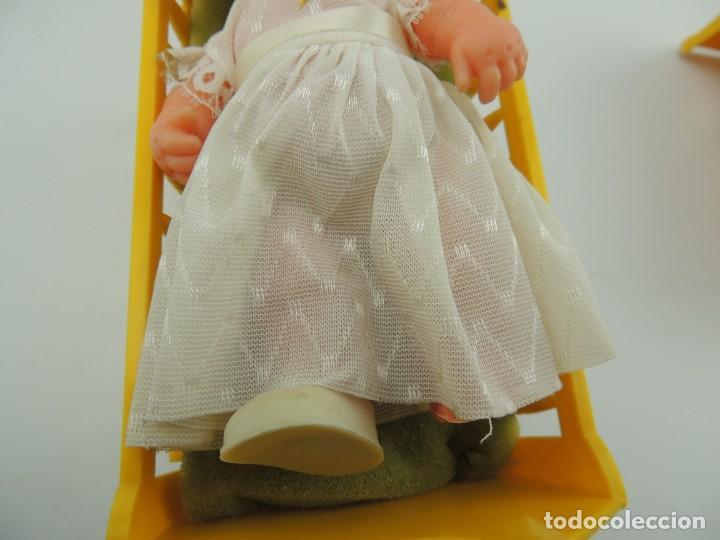 Kleider Spanische Puppen: lote muebles barriguitas de famosa - trona, cuna, tacata, armario , escritorio y caballito - Foto 20 - 151354082