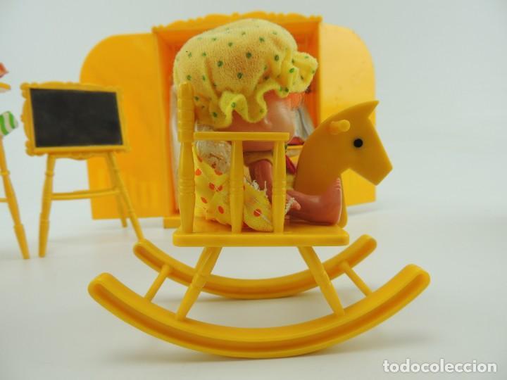 Kleider Spanische Puppen: lote muebles barriguitas de famosa - trona, cuna, tacata, armario , escritorio y caballito - Foto 28 - 151354082