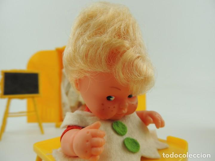 Kleider Spanische Puppen: lote muebles barriguitas de famosa - trona, cuna, tacata, armario , escritorio y caballito - Foto 35 - 151354082