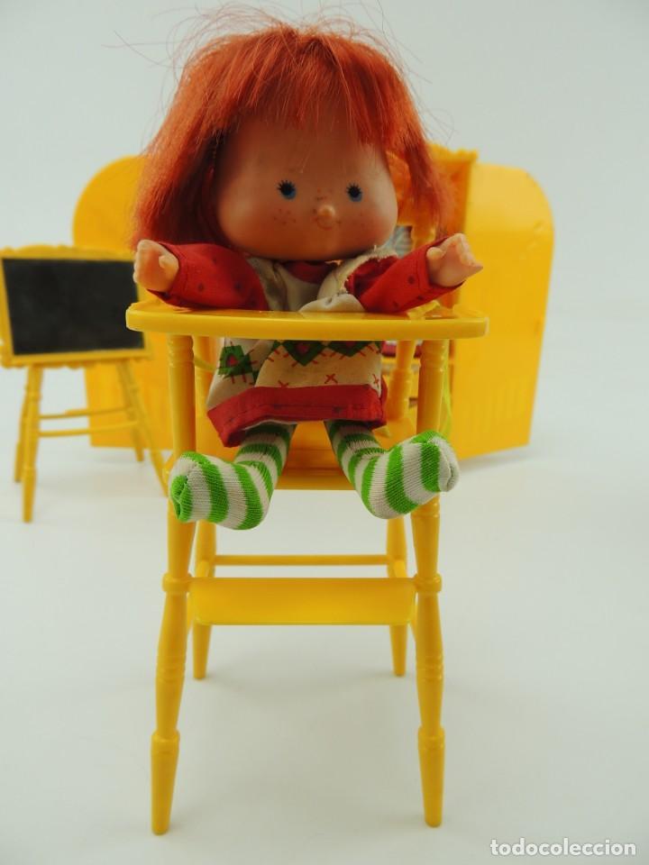 Kleider Spanische Puppen: lote muebles barriguitas de famosa - trona, cuna, tacata, armario , escritorio y caballito - Foto 38 - 151354082