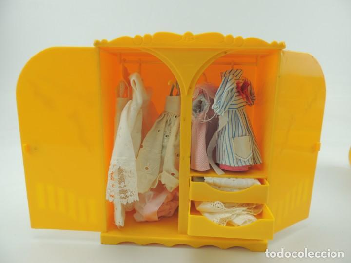 Kleider Spanische Puppen: lote muebles barriguitas de famosa - trona, cuna, tacata, armario , escritorio y caballito - Foto 49 - 151354082