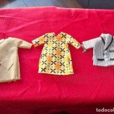 Vestidos Muñecas Españolas: ANTIGUA ROPA DE LA FAMILIA HOGARIN , TRES PRENDAS . Lote 151411770