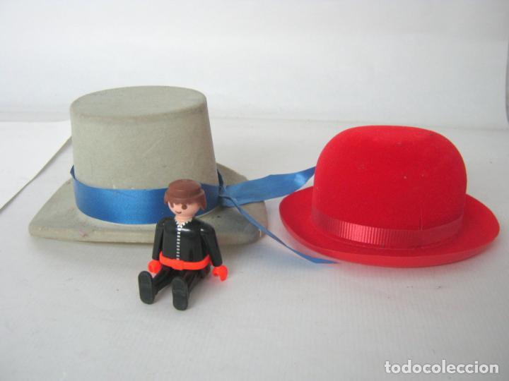7c59f0c43ab41 2 sombreros vintage plastico terciopelillo muñe - Comprar Vestidos y ...