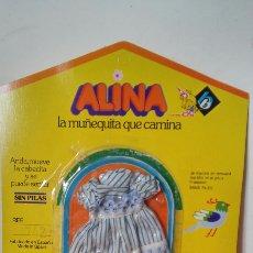 Vestidos Muñecas Españolas: VESTIDO RAYAS CENEFA AZUL ALINA.MUÑECAS BB 70S.NUEVO.. Lote 156690738