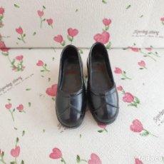 Zapatos Negros De Muñeca Lissi - Guillem y Vicedo