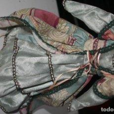 Vestidos Muñecas Españolas: VESTIDO MUÑECA TIPO ANTIGUO. Lote 159894310