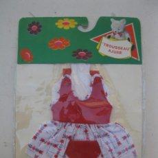 Vestidos Muñecas Españolas: ANTIGUO VESTIDO PARA MUÑECA - TROUSSEAU AJUAR - MARCO - EN SU BLÍSTER ORIGINAL - NUEVO.. Lote 167009968