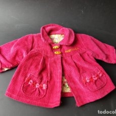 Vestidos Muñecas Españolas: ABRIGO DE MUÑECA NENUCO NENUCA DE FAMOSA. Lote 170422124
