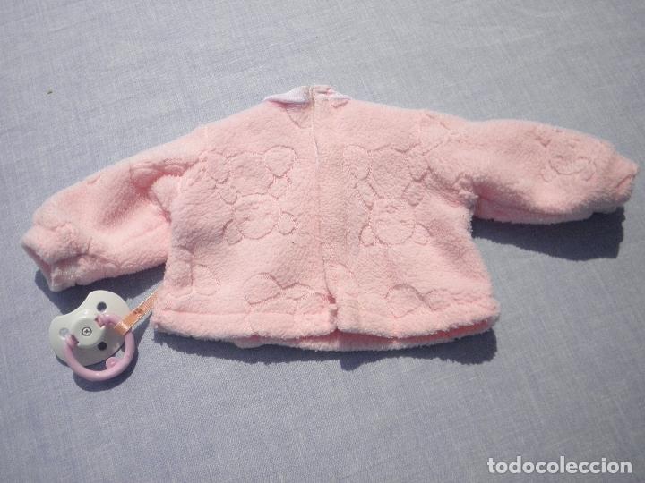 Vestidos Muñecas Españolas: Chaqueta rosa de invierno original de Nenuco de Famosa, con chupete - Foto 2 - 171993512