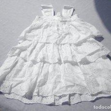 Vestidos Muñecas Españolas: VESTIDO BLANCO IBICENCO PARA MUÑECA NIÑA O REBORN. Lote 172006493