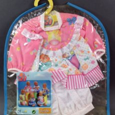 Vestidos Muñecas Españolas: CONJUNTO PARA BEBÉ MY SWEET LOVE FAMOSA 1999 TAMAÑO NENUCO NUEVO SIN ABRIR. Lote 177397005
