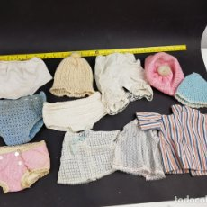 Vestidos Muñecas Españolas: LOTE ROPA MUÑECA MUÑECO TIPO BEBE TIPO BABY BORN NENUCO MOCOSETE ETC.. Lote 178738593
