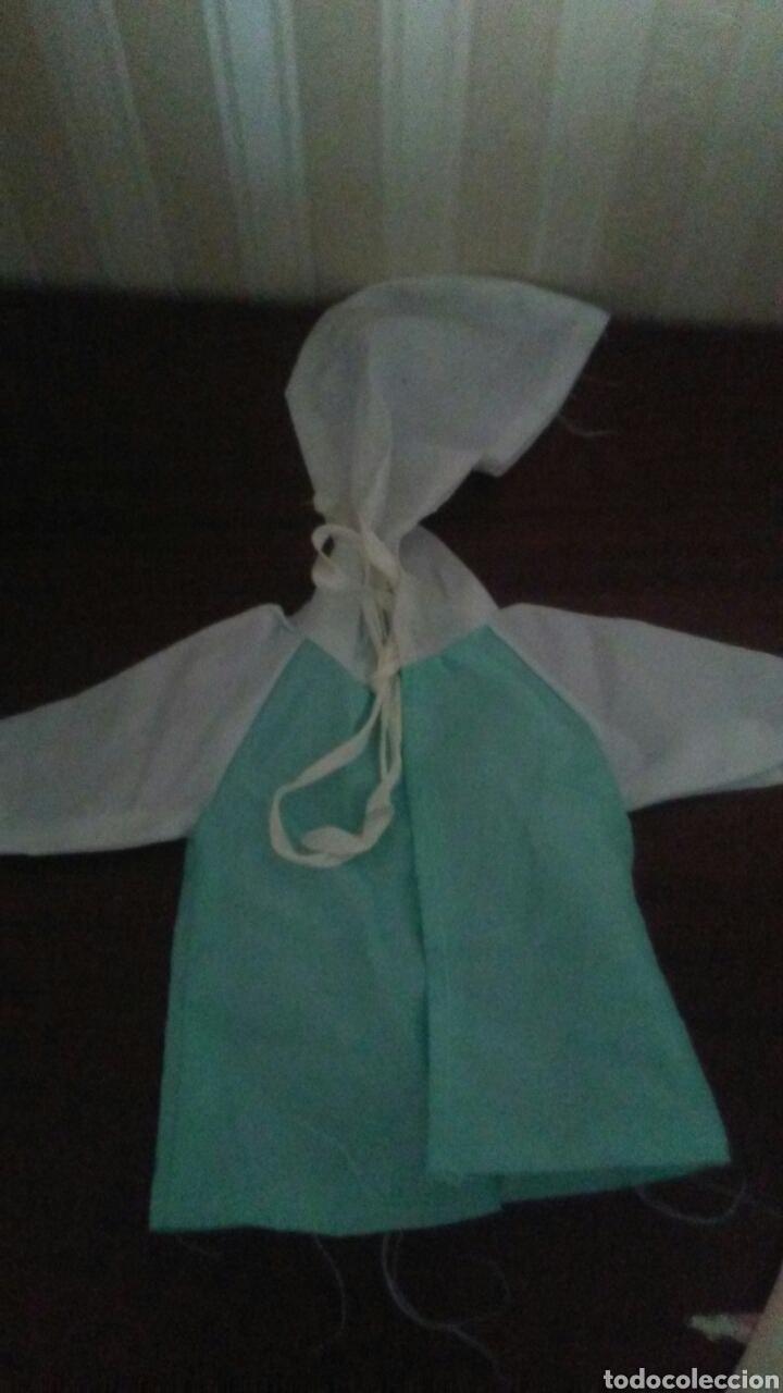 CHUBASQUERO DE MUÑECO BABY MOCOSETE (Juguetes - Vestidos y Accesorios Muñeca Española Moderna)
