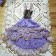 Vestidos Muñecas Españolas: PRECIOSO VESTIDO LARGO PARA MUÑECA MANIQUI MAS GRANDE QUE BARBIE. Lote 192875158
