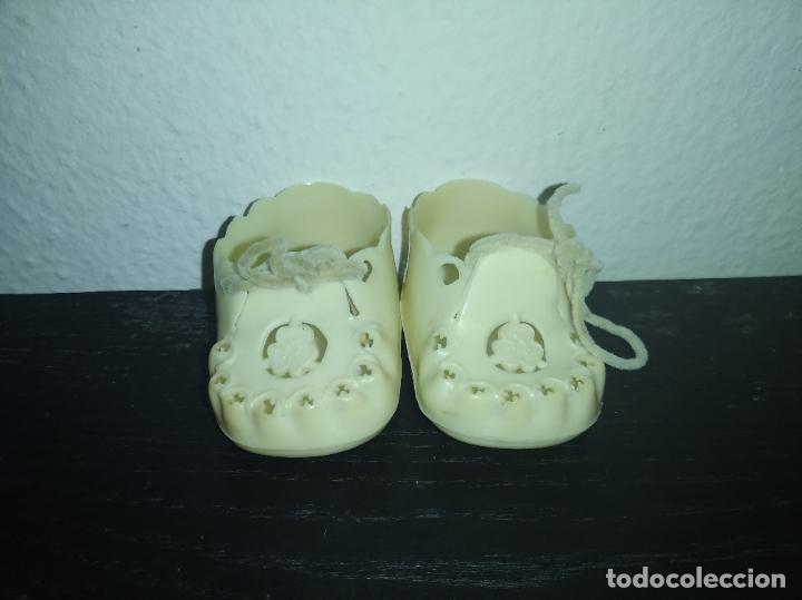 Vestidos Muñecas Españolas: Zapatos de muñeco Nenuco cnn - Foto 2 - 194248698