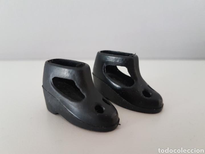 Vestidos Muñecas Españolas: Core. De BB. Zapatos Negros. Años 70 - Foto 2 - 194253242