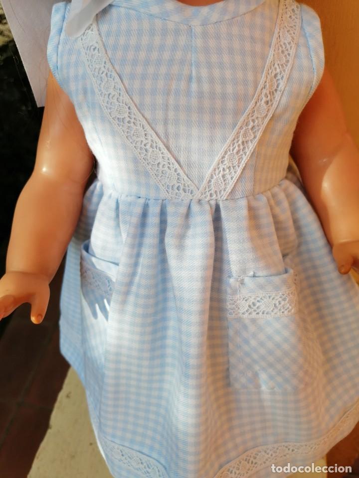 Vestidos Muñecas Españolas: Vestido viella azul vichy con tocado y braguita para muñeca de 50 a 54 cm 1 - Foto 6 - 194294548
