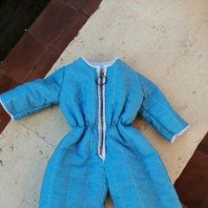 Vêtements Poupées Espagnoles: MONO ANTIGUO DE LOS 60.. CON GORRITO A JUEGO...................DE NENUCO EN PERFECTO EST.........201. Lote 194900138
