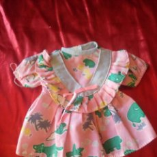 Vestidos Bonecas Espanholas: BONITO VESTIDO PARA MUÑECA DE 25/30 CM,AÑOS 70. Lote 208097307