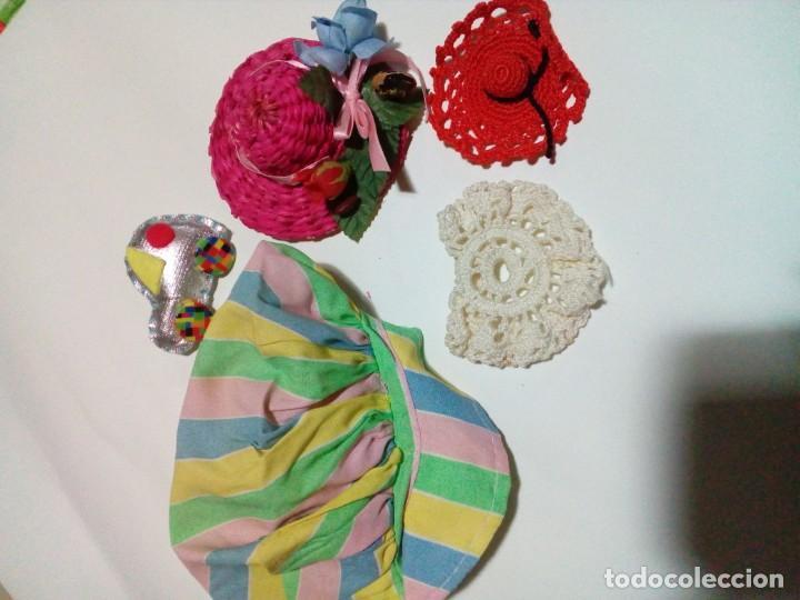 Vestidos Muñecas Españolas: tres vestidos de muñecas y accesorios - Foto 15 - 150762526
