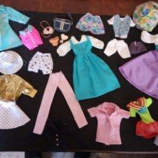 Vestidos Muñecas Españolas: 21 PIEZAS DE ROPA PARA MUÑECAS TIPO BARBIE O SIMILARES. Lote 208959123