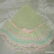 Vestidos Muñecas Españolas: TOQUILLA DE BABY MOCOSETE DE LOS AÑOS 70. Lote 219025792