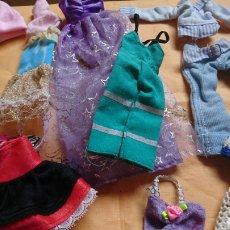 Vestidos Muñecas Españolas: LOTE 12, VESTIDITOS MUÑECA PEQUEÑA, DESCONOZCO, VER FOTOS. Lote 221929617
