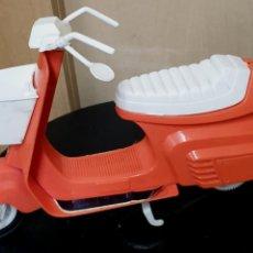 Vestiti Bambole Spagnole: MOTO BARBIE CONGOST AÑOS 70. Lote 225327045